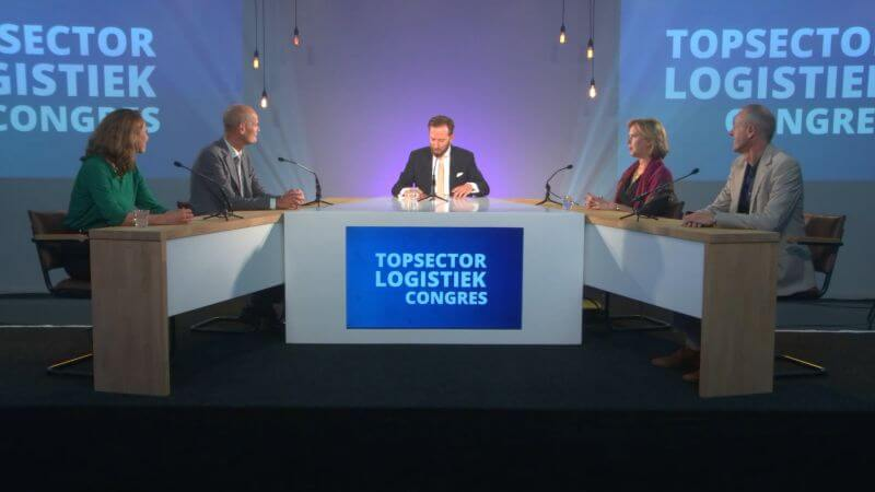 Paul van Tiel takes part in the round table discussion during the Topsector Logistics Congress.